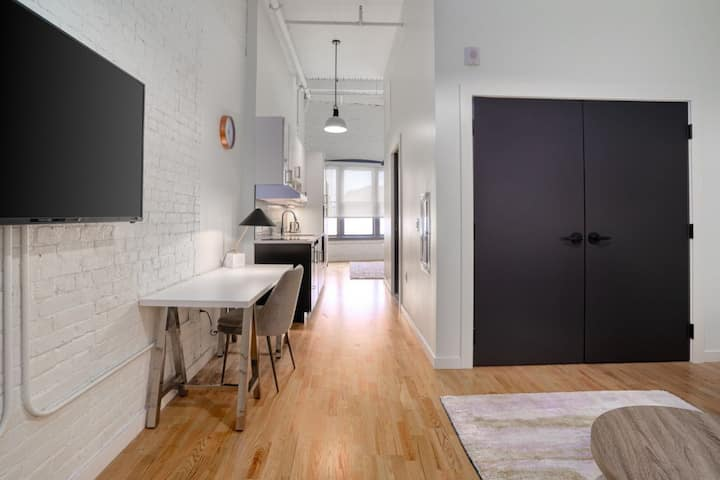 Brand New Luxe Apartment in Downtown Hartford