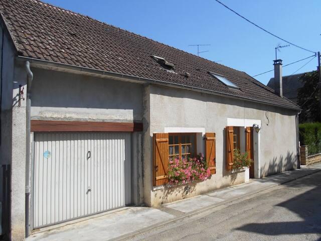 Maison à Mailly le Château