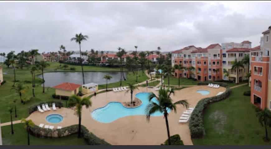 Palmas Doradas, Beach Access Family Condo Sleeps 7