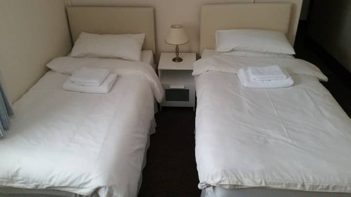 SERGEANTS ACCOMMODATION - ROOM 5