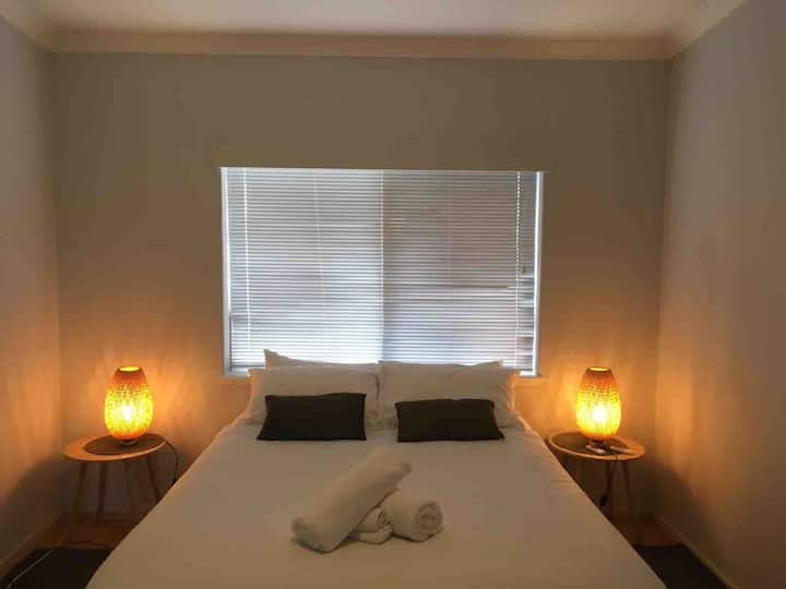 Acacia  Holiday or Business Stay - Quiet Location