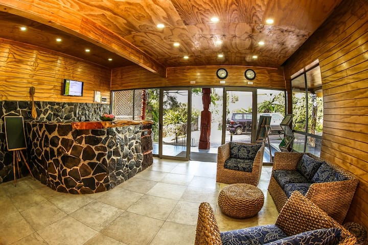 Easter Island Eco Lodge