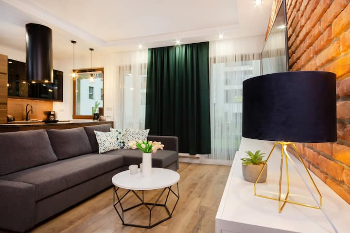 Luxurious Apartment with Terrace | Warsaw Wilanow
