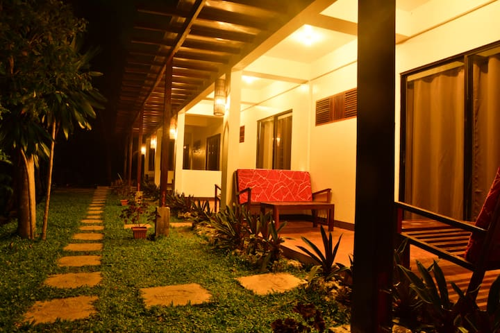 Tawin Home Stay Room 2 ( Mangrove forest )