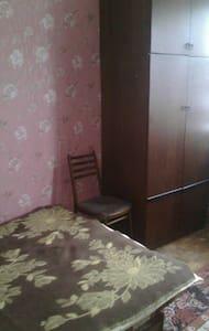 В своей 3х комнатной квартире сдаю комнаты