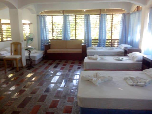 Patrick's on the Beach Resort - Surigao del Norte - Dorm