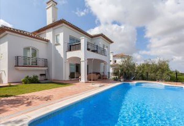 Fantastic golf holiday villa for rent with pool