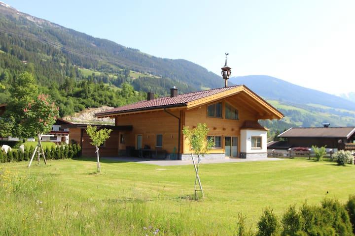Exquisite Chalet in Wald im Pinzgau with Large Garden