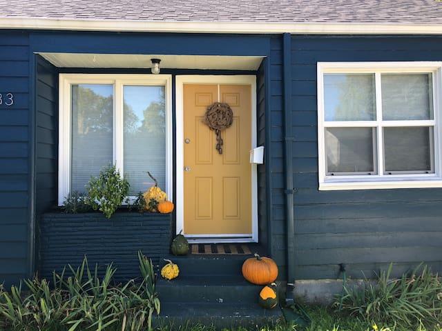 Creative, cozy home in NE Portland