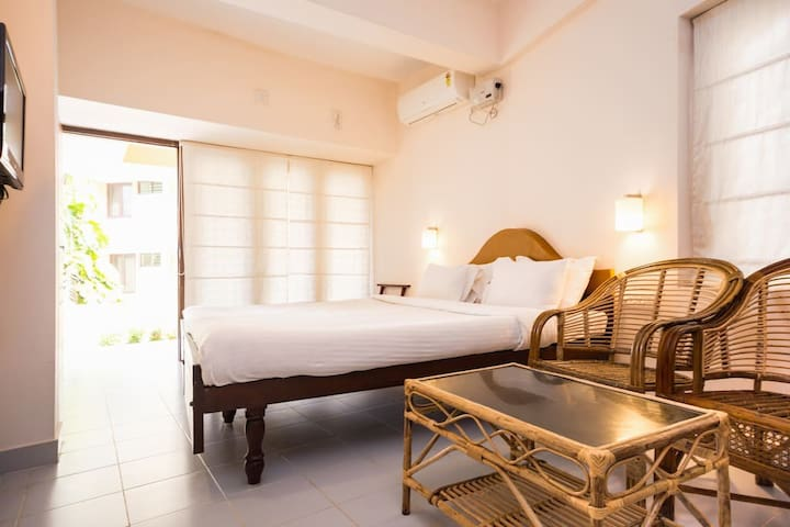 Cozy Room at Abad Villa by the beach