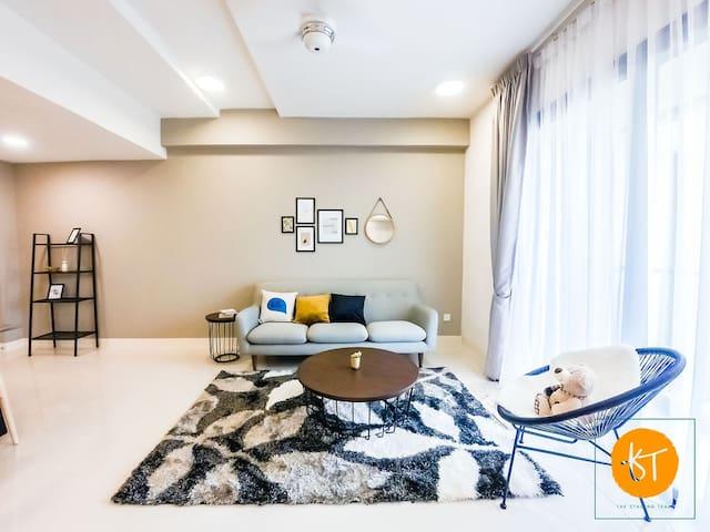 Impeccable Premier Suite Radia Residence