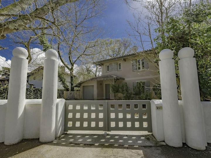 """Villa  """"Casa Anna"""", piscine, proche plage-Arcachon"""