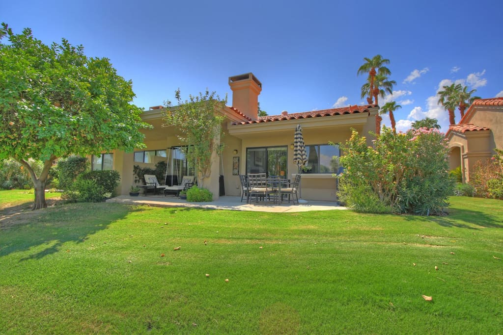 Situated right on the fairway at PGA West Palmer Private