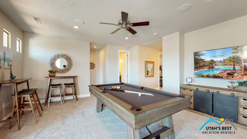 Daze Off in St George with Pool Table and Patio