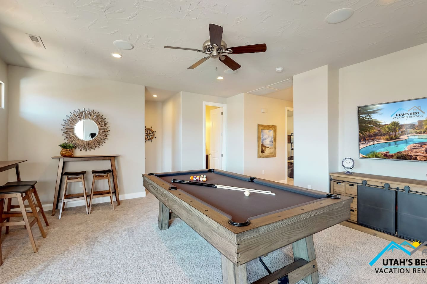 Pool table in the upstairs game room
