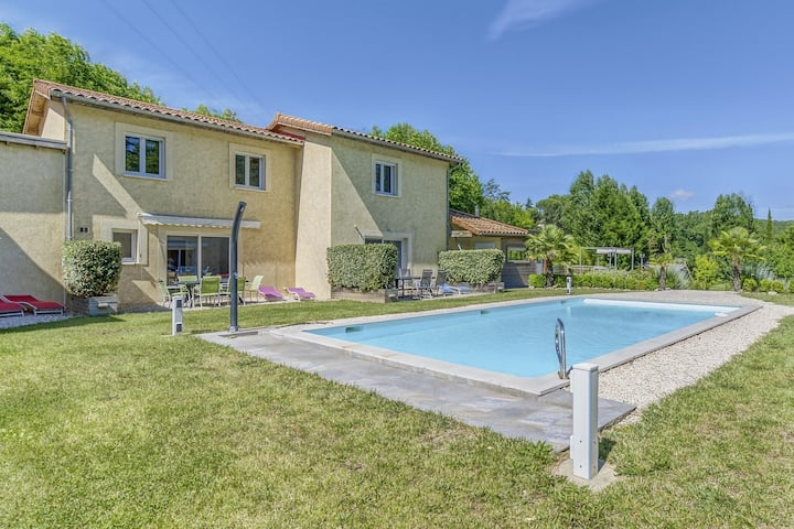 Alluring Holiday Home in Gagnières with Swimming Pool
