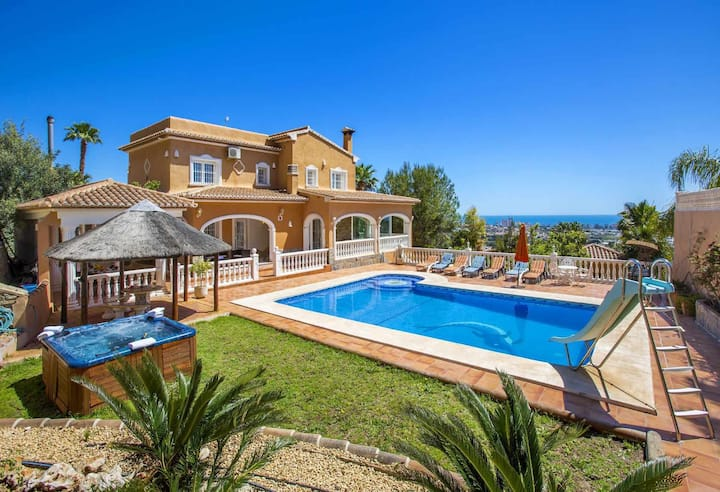 Villa Malie - Luxury villa with private pool and sea views in Calpe