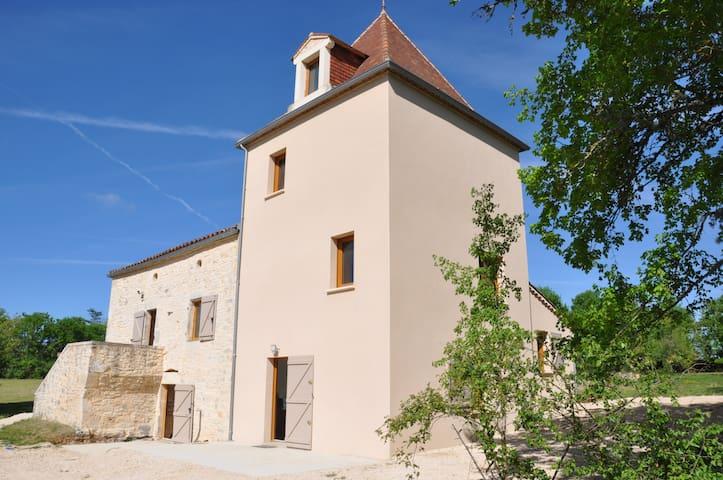Maison avec Pigeonnier entre Cahors et Montauban