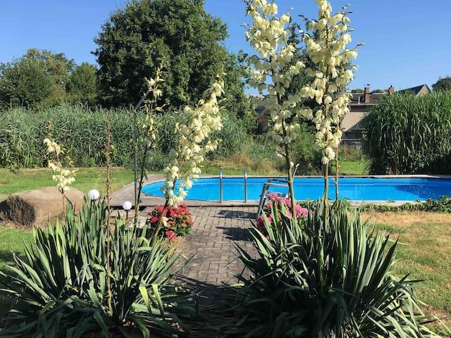 Gästewohnung, Pool und Sauna, ruhige Lage