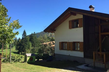 Beautiful mountain house in the woods near Trento - Villa Lagarina