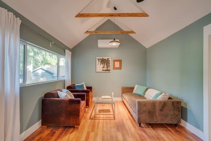 A Beautiful, elegant 2 bedroom cabin  #2
