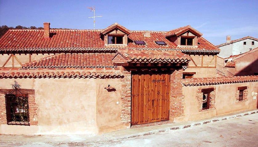 CASA RURAL DE BARRO - Matarrubia - Hus
