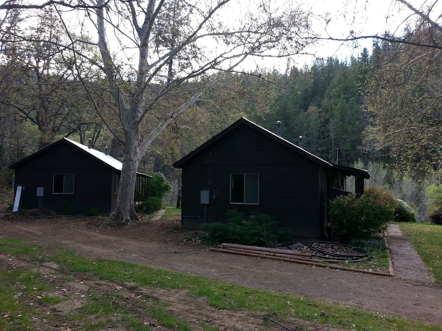 Two duplex cabins-Cabin B is on the right closest to the river.