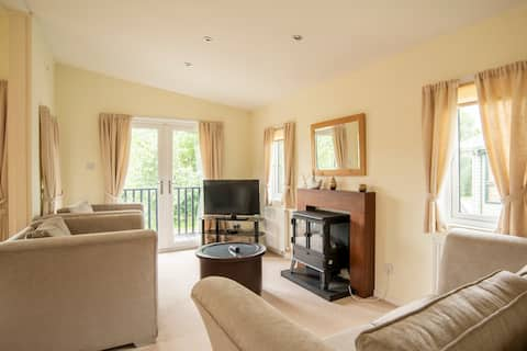 Luxury Lodge on 5* country holiday park (L03)