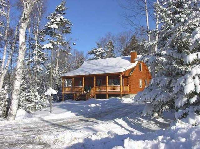 3BR cabin in Rangeley, ME.  7 nights Feb 16th-23rd