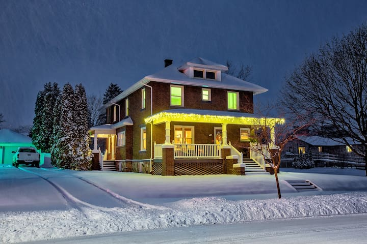 Beautiful Historic Home In Downtown Frankenmuth - Frankenmuth - Huis