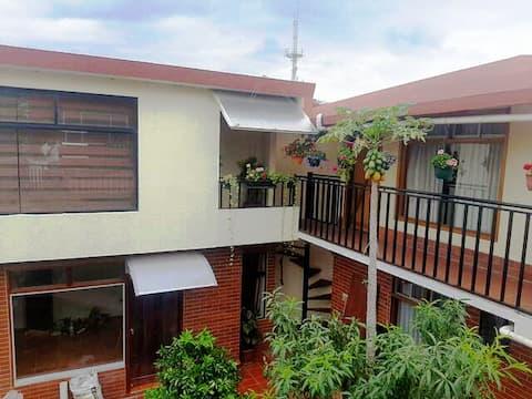 Bella suite arredata a Cumbaya