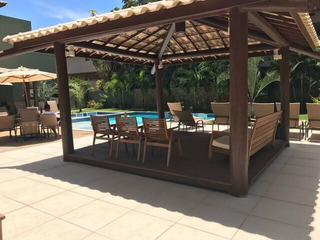 Apartamento em Praia do Forte - Mata de São João