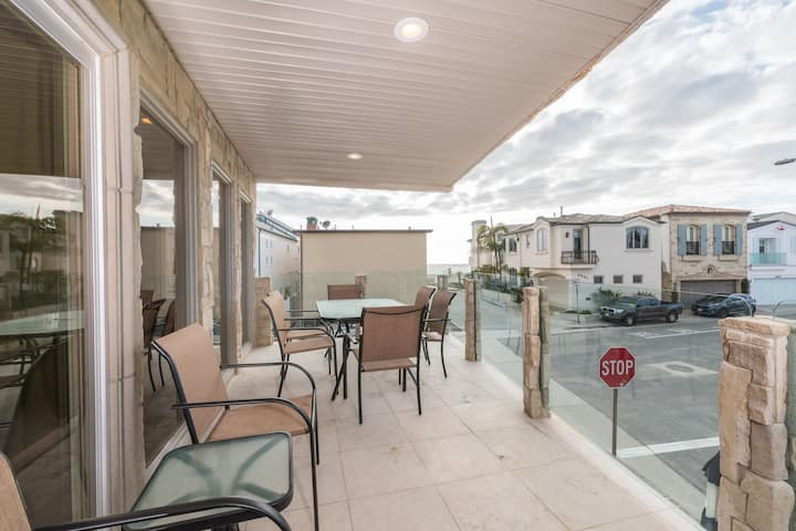 Newly Listed, 1 house from the sand! - Remodeled upstairs unit