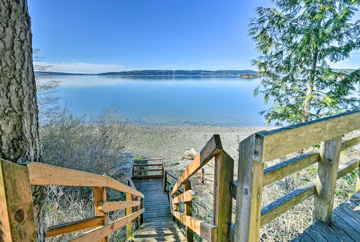 Cozy La Conner Home w/Views & Deck Steps from Bay!