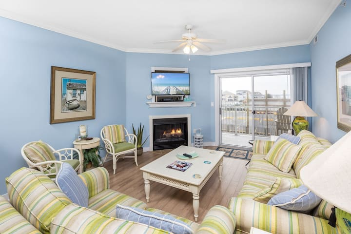 Gorgeous Bay Views from this luxurious OC Vacation Rental.