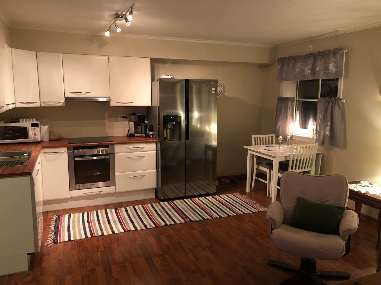 Livingroom/kitchen , layout/style can be changed due to upcoming renovation