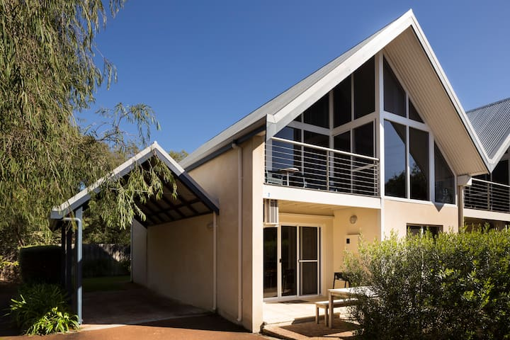 Whitesands Holiday Villas Dunsborough