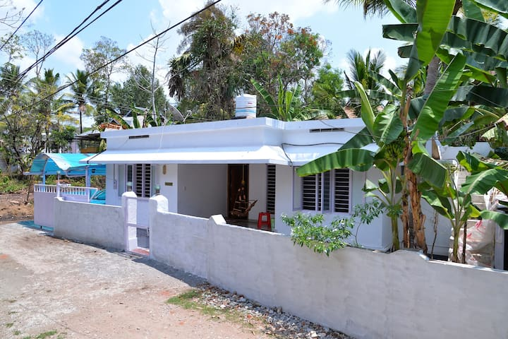 Self Catering 3 Bedroom House Near to kumarakom - Kottayam - Casa