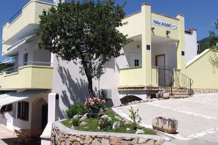 1 Bedroom Apts in Klenovica - Klenovica - Apartament