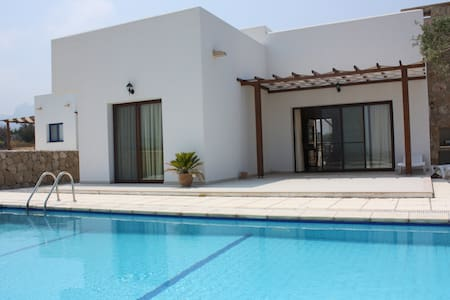 KB449 3 Bdr Villa with Private pool - Girne - 別墅