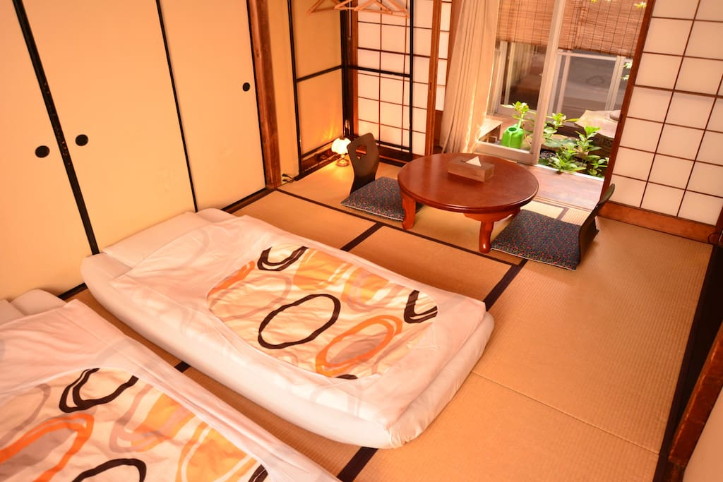 Japanese style room (with private toilet)