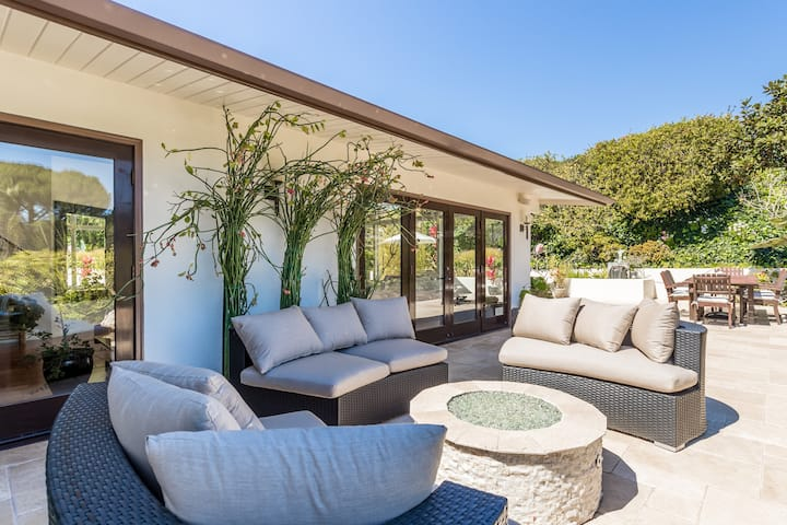 Peaceful Pacific Palisades Mountain View Retreat