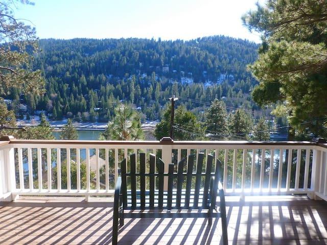 Crestline Cabin w/Lake Gregory view - Крестлайн - Дом