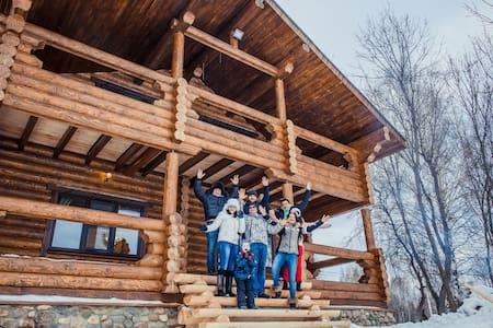 Коттедж с 5 спальнями - Lunevo
