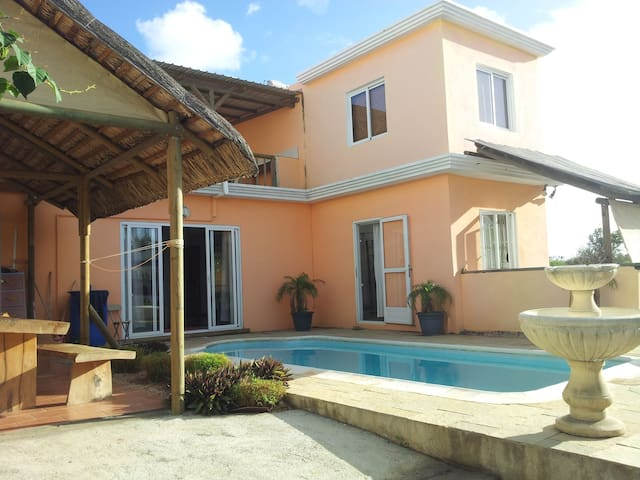 Beautiful villa at 5 min to the sea - Trou aux Biches - Villa