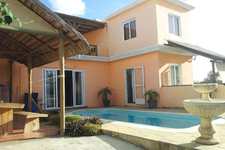 Beautiful villa at 5 min to the sea - Trou aux Biches - วิลล่า
