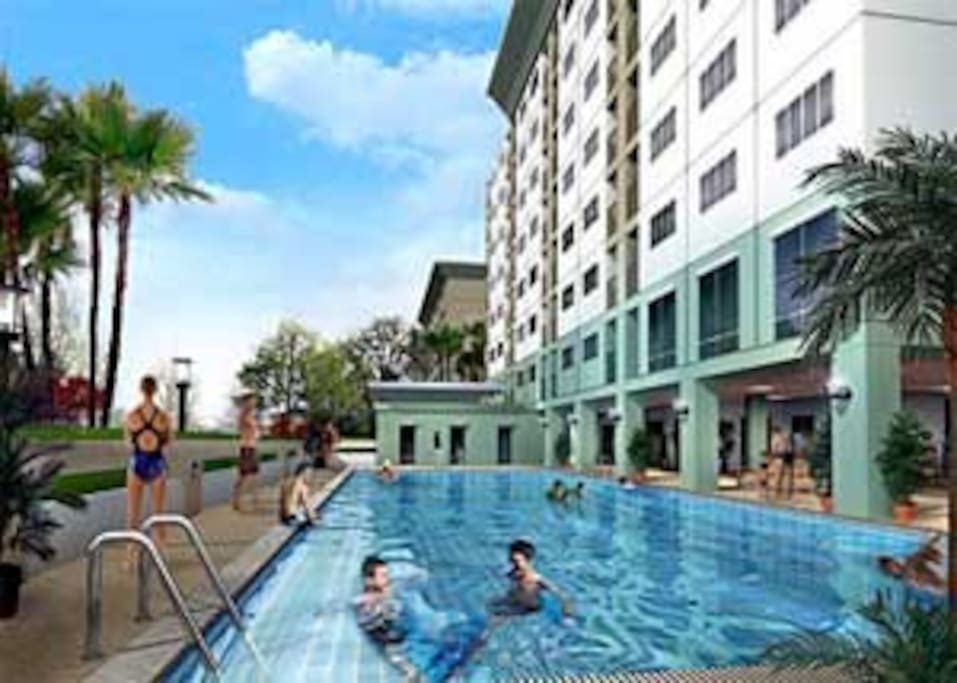 The complex has an integrated pool and gym/fitness center that can both be accessed for a small daily fee (50 Baths per day)