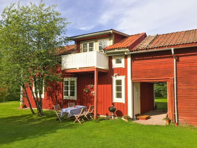 House near lake Siljan and center of Leksand town.