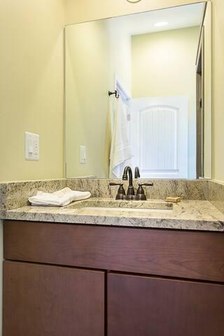 Luxury Bath - New - Modern - Granite