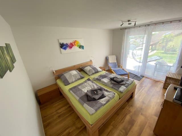 Das gemütliche helle Schlafzimmer